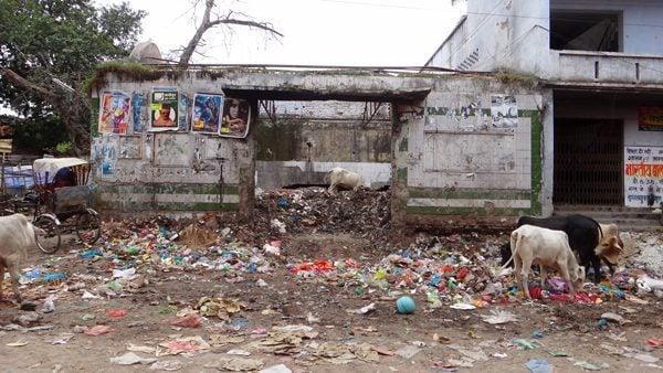 Trash in India