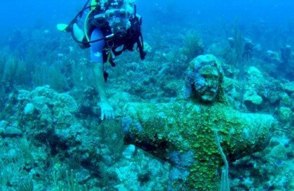 Holla at Jesus underwater.