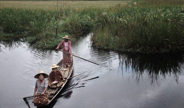 Ladies in Inle Lake in Myanmar