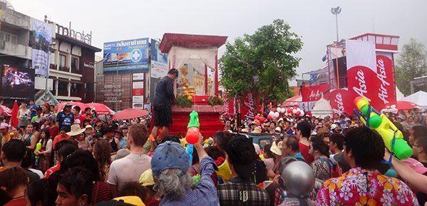 Everyone is bathing the Buddha