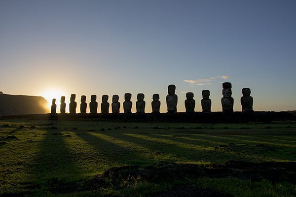 Sunrise in Tongariki, Rapa Nui