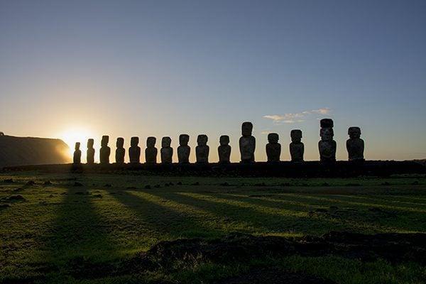 Sunrise in Tongariki, Rapa Nui
