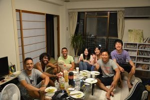 How to Use Couchsurfing to Travel the World