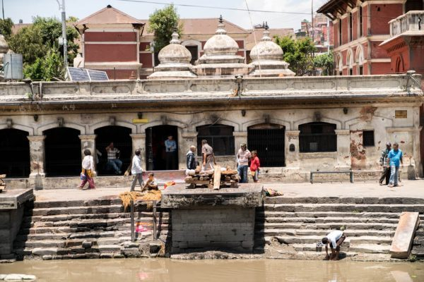 a body burning at Pashupatinath Temple