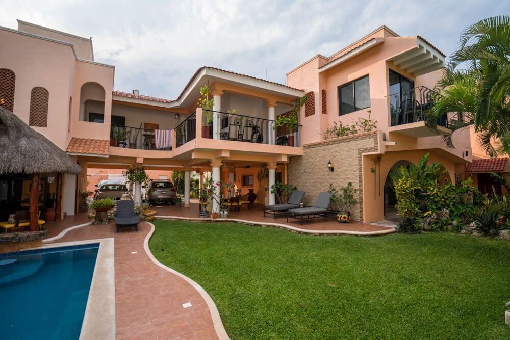Cozumel, Mexico. Fulvio's Cozumel Rentals