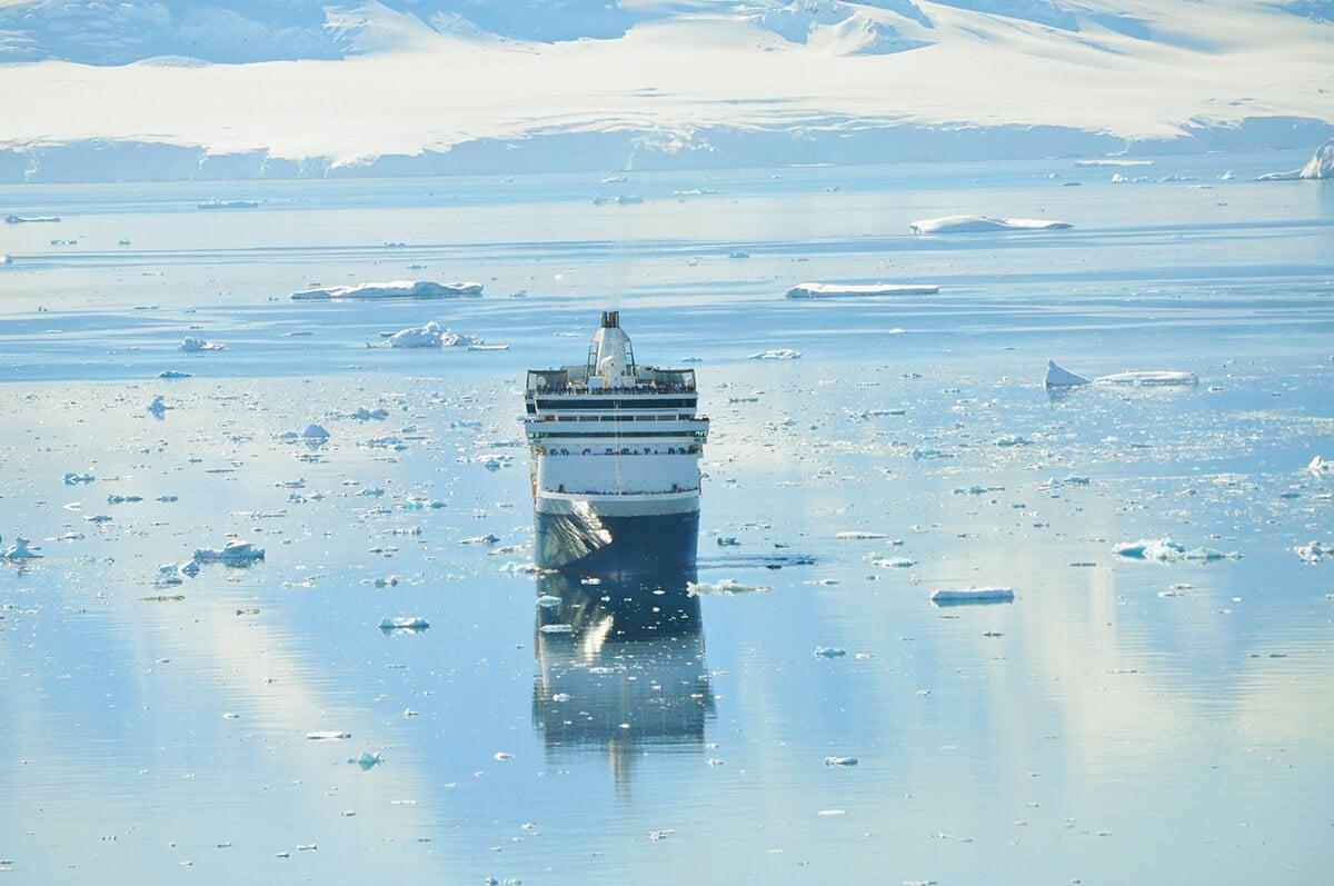 Cruise in Antarctica