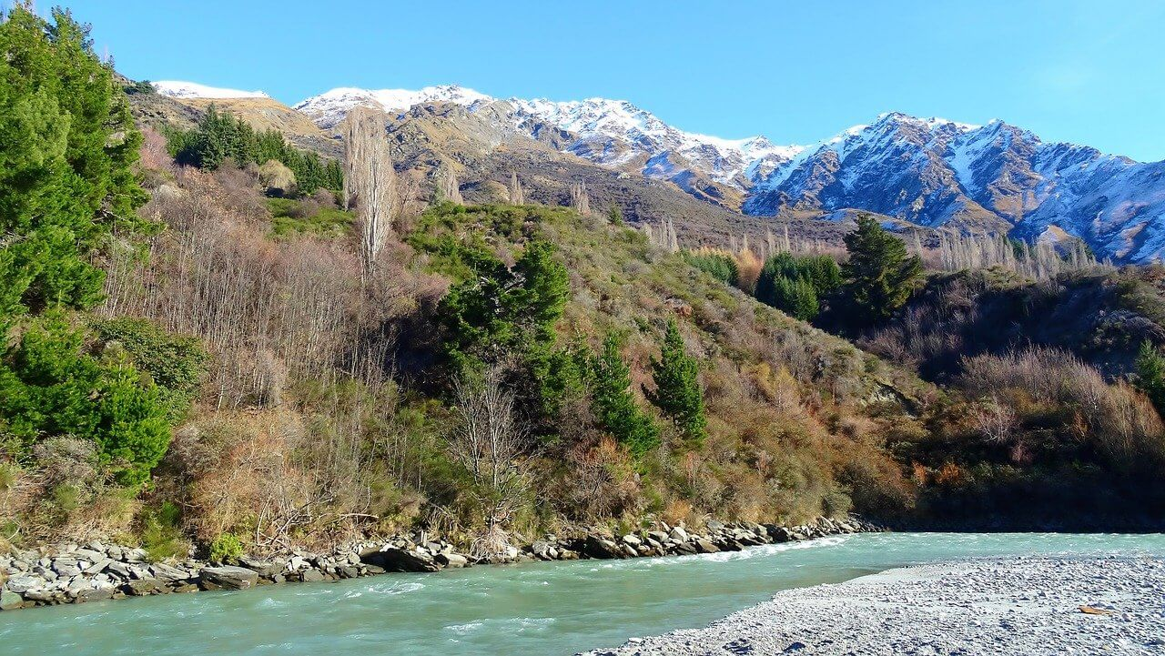 New Zealand river and mountains