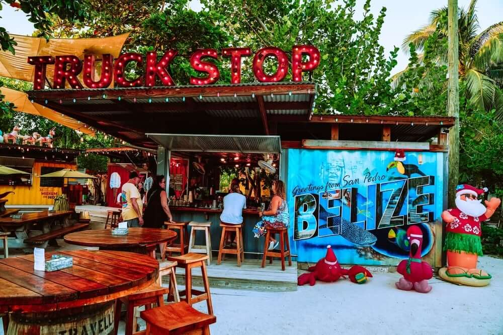 Belize to Cancun bus stop
